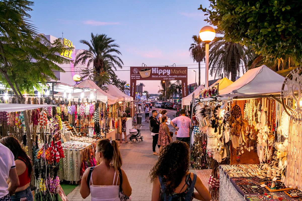 HIPPY MARKET IN PLAYA D'EN BOSSA